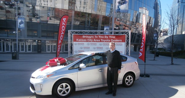 Grand Prize Winner Receives Toyota Prius At Sprint Center Sprint - Toyota dealers in kansas